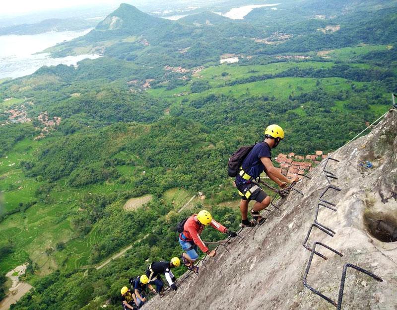 Paket SKY CAVE CLIMBING Gunung Parang